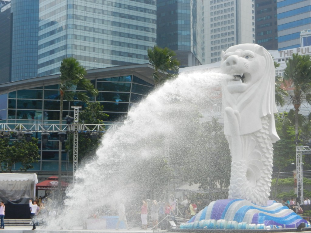 The Singapore Merlion near One Fullerton